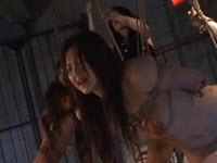 Video femdom con schiave asiatiche