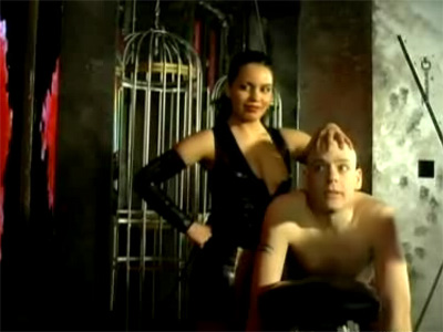 Video femdom con tre zoccole dominatrice